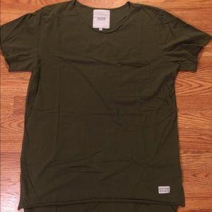 Green scoop neck shirt! Size MEDIUM!